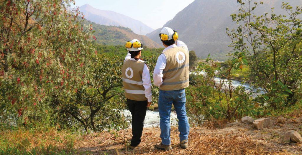 Evaluadores del Oefa fiscalizando en la sierra del Perú