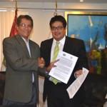 OEFA Y EL IIAP FIRMAN CONVENIO PARA FORTALECER LA GESTIÓN AMBIENTAL EN LA AMAZONÍA PERUANA